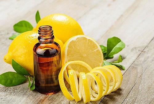 efirnoe maslo limona nezamenimyj pomoshhnik v uhode za volosami