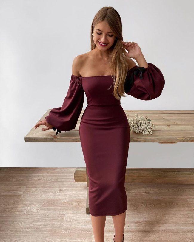 modnye luki na vypusknoj 2021 stilnye platya foto naryadov