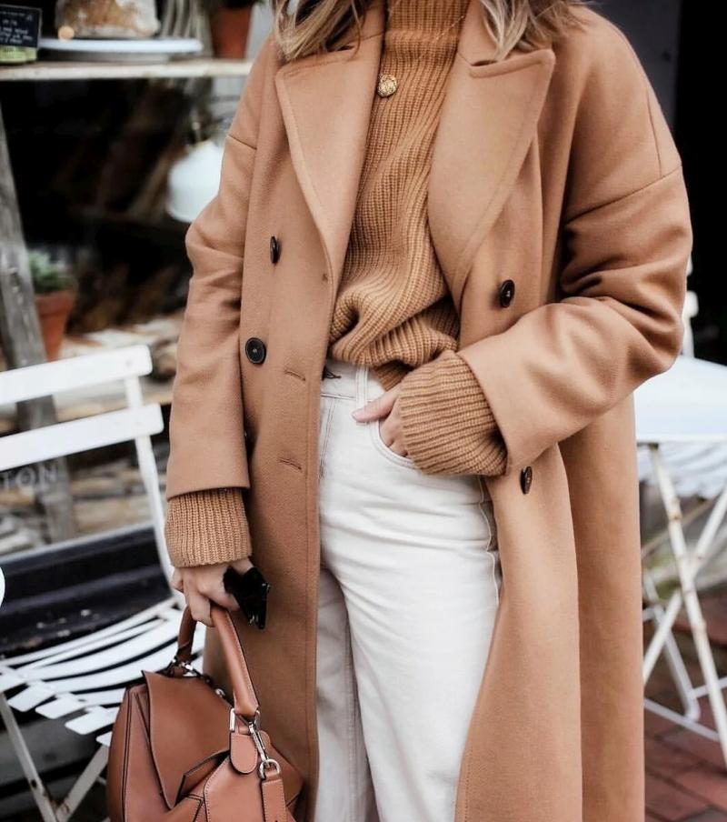 zhenskie palto i plashhi osen zima 2021 2022 foto stilnyh fasonov